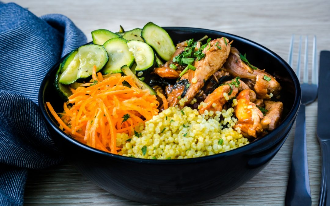 Poulet au Basilic Thaï, quinoa Bio safrané, courgette, carottes